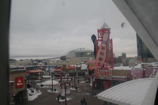 Niagara Falls Attractions Strike N' Bowl