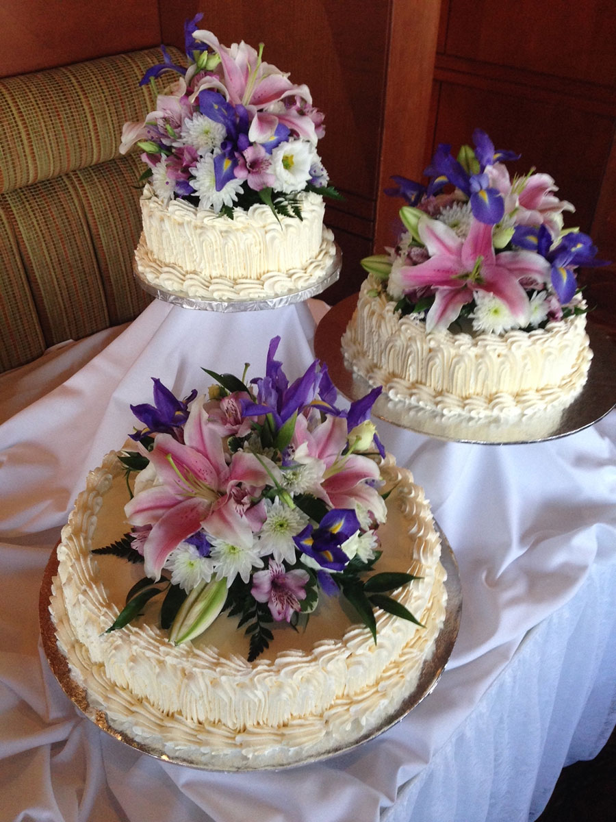 wedding cakes at skylon tower