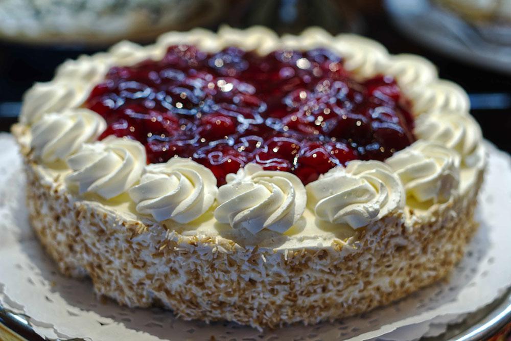 Skylon-Tower-Cake